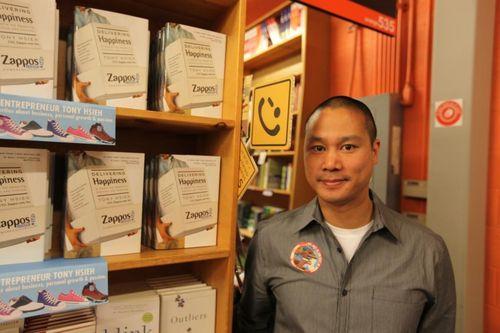Tony Hsieh auteur de L'entreprise du bonheur